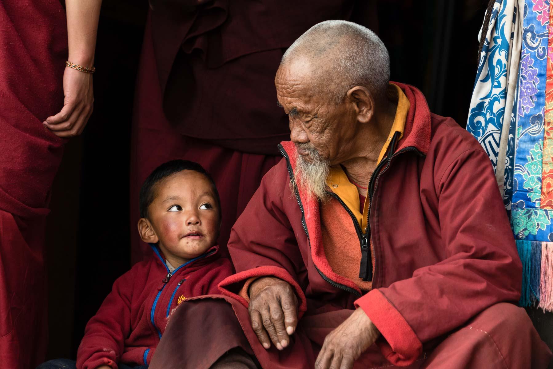 Christian Meixner Fotografie, Fotograf Zürich, Nepal, Mönche, alter Mann, Bub, Reisen, Reisefotografie